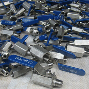ASTM A351-CF8 Ball Valves, SS304 2000 PSI